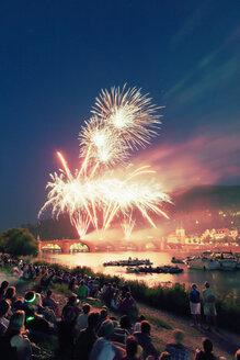 Germany, Baden-Wuerttemberg, Heidelberg, fireworks above River Neckar - MEM000215