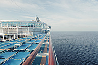 Germany, Baltic Sea, On board of a cruise ship in the morning, Sunbeds - MEM000207