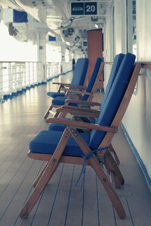 Germany, Baltic Sea, On board of a cruise ship in the morning, Deck chairs - MEM000211