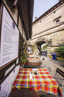 Germany, Bavaria, Nuremberg, outdoor gastronomy - THA000488