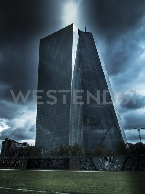 Germany, Hesse, Frankfurt, view to European Central Bank at stormy atmosphere - AMF002387