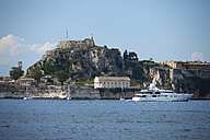 Greece, Ionic Islands, Corfu, yacht in front of the old fortress - AJF000064