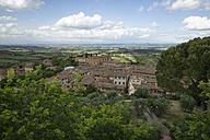 Italy, Tuscany, San Gimignano, City view - MYF000376
