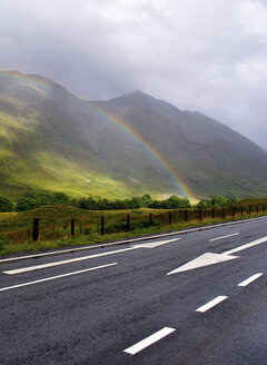 United Kingdom, Scotland, Highlands, Rainbow - LYF000068