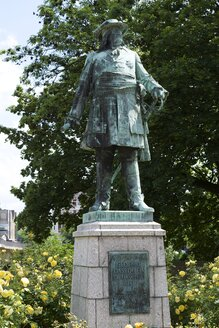Germany, North Rhine-Westphalia, Minden, monument of 'The Great Elector' Frederick William - HAWF000303