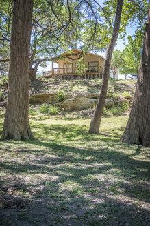 USA, Texas, Cabin in natural environment - ABAF001394