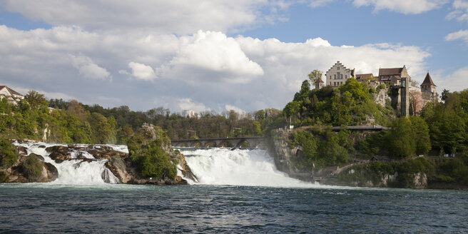 Switzerland, Schaffhausen, Rhine falls with Laufen Castle - WIF000801