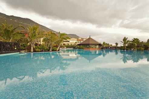 Spain, Canary Islands, La Palma, Fuencaliente, swimmingpool of a hotel - SEF000749