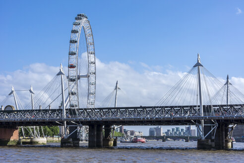 England, London, Lambeth, view to the big wheel 'London Eye' - WEF000156