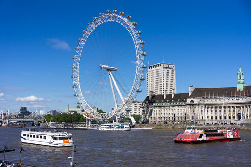 England, London, Lambeth, view to the big wheel 'London Eye' with River Themse in the foreground - WE000162