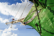Germany, Hamburg, Sailing ship Rickmer Rickmers, Ship's bow with jibboom - KRP000559