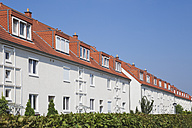 Germany, Cologne Widdersdorf, terraced multi-family houses - GWF003581