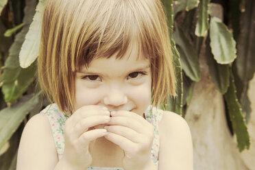 Portrait of smiling little girl - LVF001493