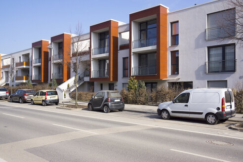 Germany, Hesse, Frankfurt Riedberg, view to one-family row houses - JWAF000135