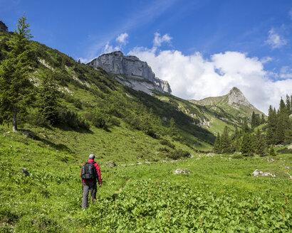 Austria, Tyrol, Allgaeu High Alps, Nature Reserve Hoher Ifen, Mahd Valley, Torkopf Mountain, Ascent to Gottesacker, Hiker - STSF000426