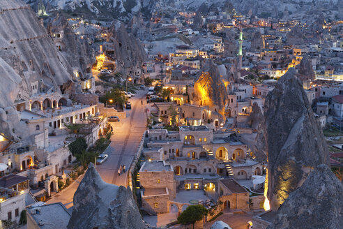 Turkey, Eastern Anatolia, Cappadocia, Goereme, Fairy chimneys at Goereme National Park in the evening - SIE005567