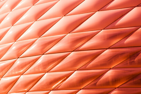 Germany, Bavaria, Munich, Froettmaning, part of red lighted facade of Allianz Arena - FC000272