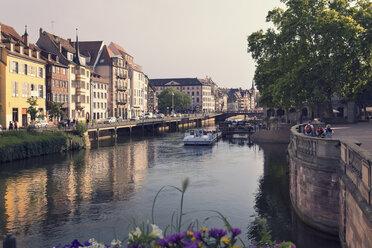 France, Strasbourg, tourboats on River Ill - MEMF000273