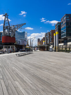 Germany, Hamburg, HafenCity, Magellan-Terrassen, Modern residential and office buildings, Elbe Philharmonic Hall in the background - AMF002482
