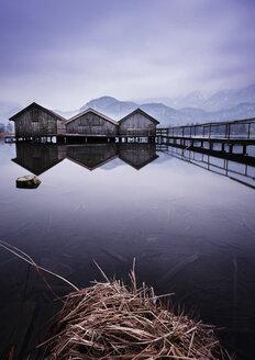Germany, Bavaria, Bathhouses on Lake Kochelsee - MBOF000027