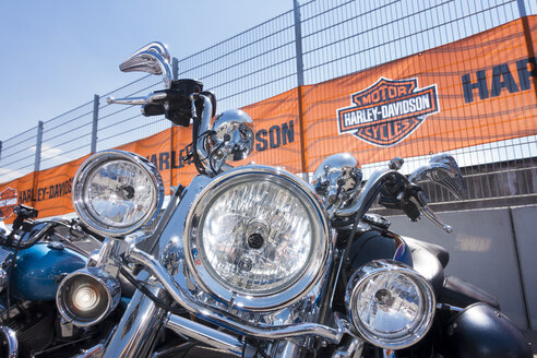 Headlight of a Harley Davidson - JWA000183