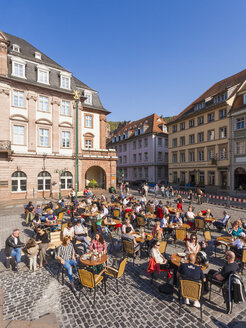 Germany, Baden-Wuerttemberg, Heidelberg, view to pavement cafe in the old city - WD002531