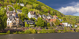 Germany, Baden-Wuerttemberg, Heidelberg, View to exclusive residential area at Neckar river - WDF002564