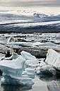 Iceland, Jokurlsarlon, glacier lake - FCF000318