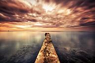 Croatia, Istria, Umag, pier at the ocean - DAWF000084