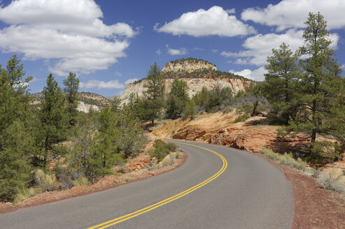 USA, Utah, empty Zion-Mount Carmel Highway - RUEF001281