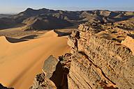 Africa, Algeria, Sahara, Tassili N'Ajjer National Park, Western escarpment of Tadrart plateau - ES001315