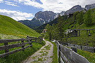 Italy, Alto Adige, hiking trail in the Campill valley - LB000908