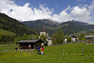 Italy, South Tyrol, Passeier valley, St. Leonhard, Open-air museum, MuseumPasseier, Father and children - LB000936