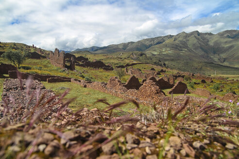 South America, Peru, View of Piquillacta, an ancient village near Cusco - KRPF000700
