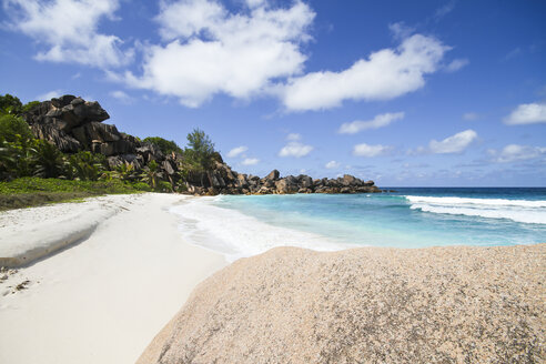 Seychelles, View of the Petit Anse beach at La DIgue Island - KRPF000740