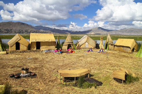 South America, Peru, Uros people living on the floating islands of the Lake Titicaca - KRP000870