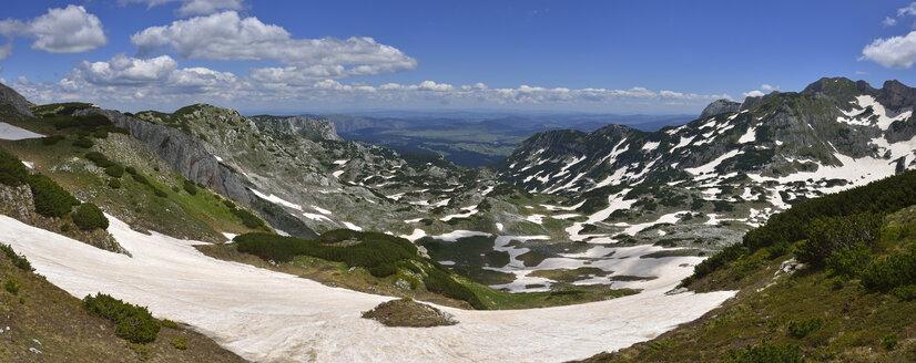 Montenegro, Crna Gora, Durmitor National Park, View from Planinica over Zabljak high plain - ES001347