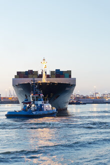 Germany, Hamburg, Container ship being turned at Park harbour - MS004088