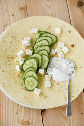 Slices of cucumber, Yoghurt, Dill and Herder's cheese on wrap - MYF000518