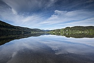 Germany, Baden-Wuerttemberg, Titisee-Neustadt, view over Titisee - ELF001273