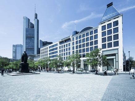 Germany, Hesse, Frankfurt, buildings at Goetheplatz and Rossmarkt - AMF002685