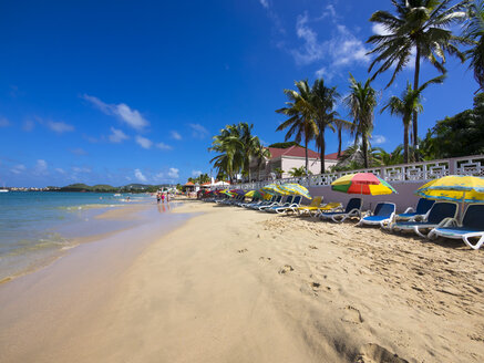 Caribbean, St. Lucia, beach at Rodney Bay - AMF002667
