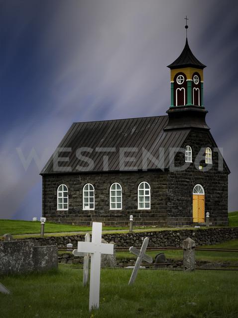 Iceland, Reykjanes, Hvalsneskirkja, Church and grave yard - MKF000078