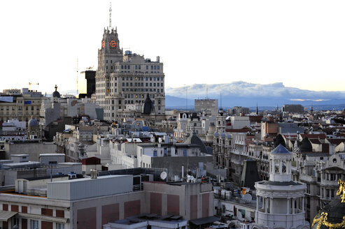 Spain, Madrid, historic city center, Edificio Telefonica building at Gran Via - MIZ000575