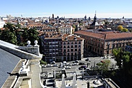 Spain, Madrid, view from the Almudena Cathedral looking east - MIZ000624