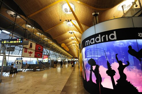 Spain, Madrid, departure lounge of Aeropuerto de Madrid Barajas - MIZ000628