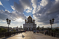 Russia, Moscow, Cathedral of Christ the Saviour and Patriarshy Bridge - FOF006726