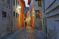Turkey, Gaziantep, alley in old town in the evening - SIEF005821