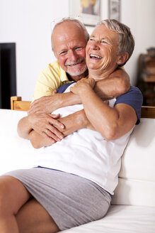 Portrait of happy senior couple together at home - JUNF000008