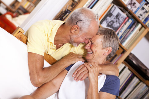 Portrait of happy senior couple laughing - JUNF000011